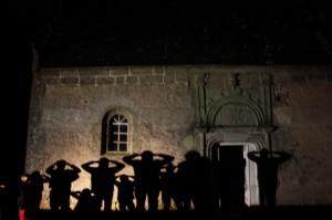 Sortie nocturne - Devant la chapelle